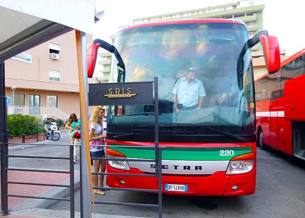 カターニア行きのバス乗り場