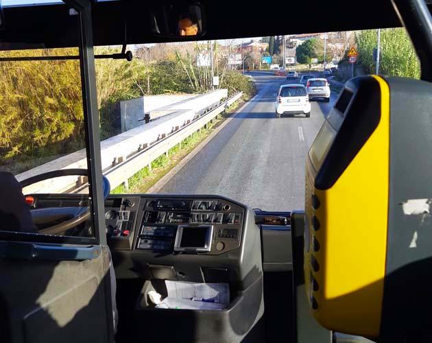 Cotrl社のティヴォリ行きバス