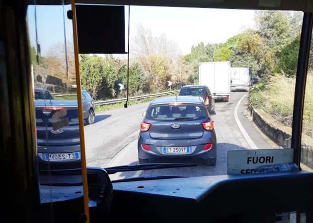 ティヴォリからバスでヴィッラ・アドリアーナへアクセス