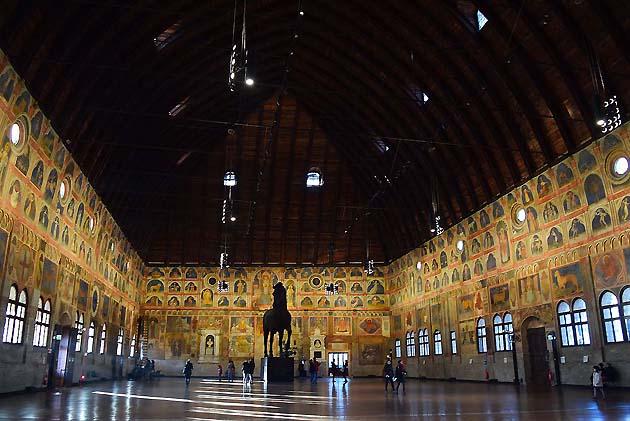 ラジョーネ宮 Palazzo della Ragione パドヴァ