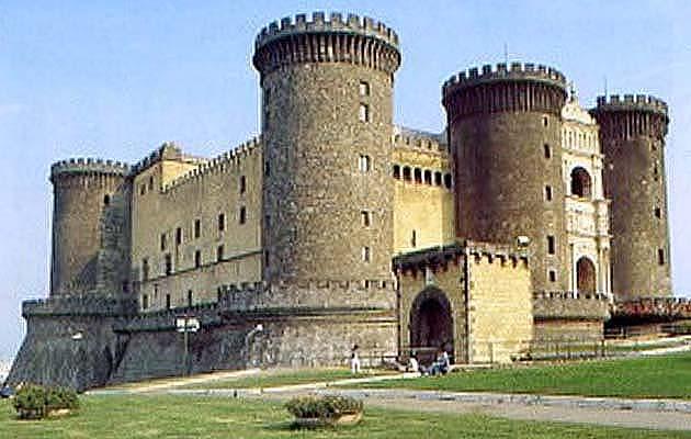 ナポリのヌォーヴォ城