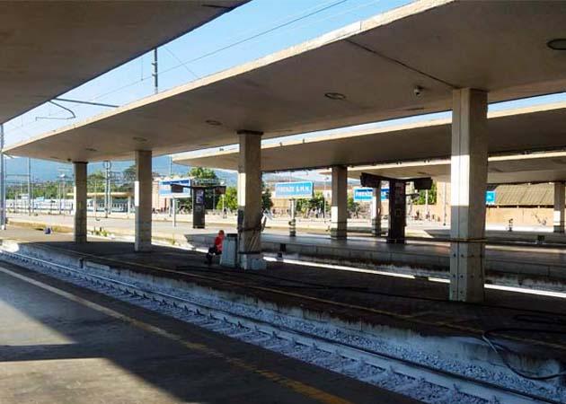 列車でフィレンツェSMN駅へアクセス