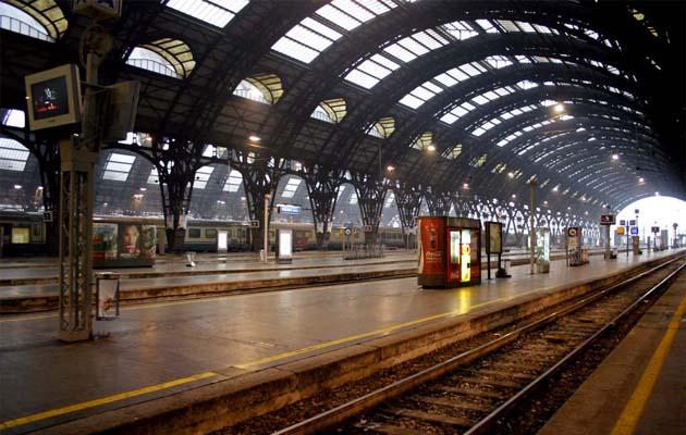 列車でミラノ中央駅へアクセス