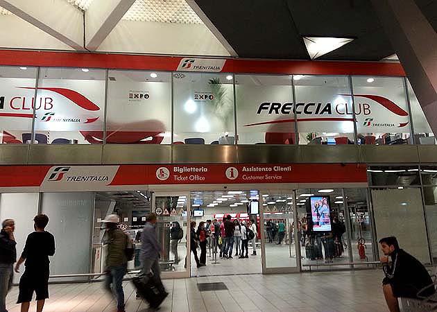 ナポリ中央駅・チケット売場