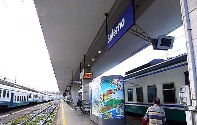 サレルノ駅からフェリー乗り場までの行き方