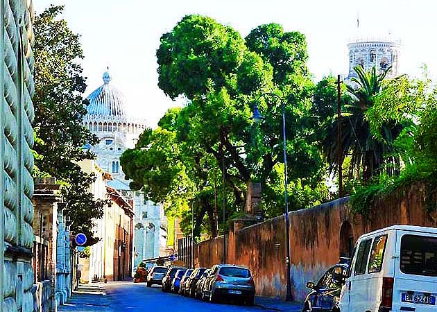 世界遺産ピサのドゥオモ広場への行き方