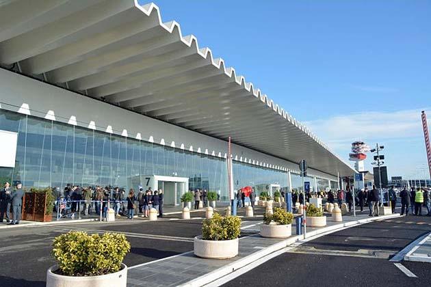 ローマの空港フィウミチーノ 空港からローマ市内へのアクセス