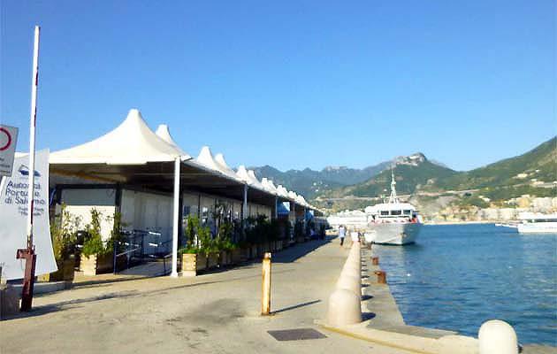 フェリーでサレルノからアマルフィ・ポジターノへアクセス