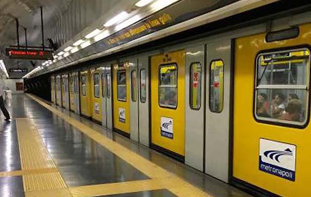 ナポリの地下鉄LINE1 観光スポットのアクセスに便利