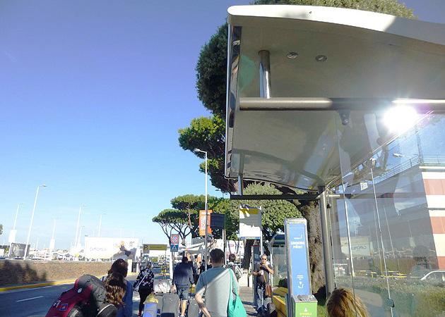 ナポリのシャトルバス