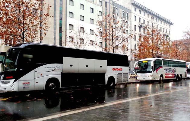 ミラノ市内のシャトルバス乗り場