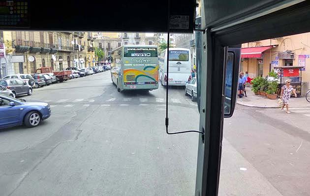 パレルモからアグリジェント行きのバスCuffaro