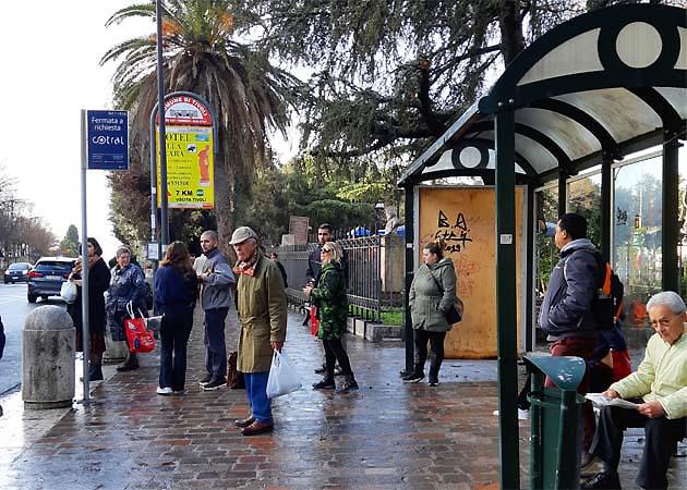 ティヴォリのヴィッラ・アドリアーナ行きバス乗り場