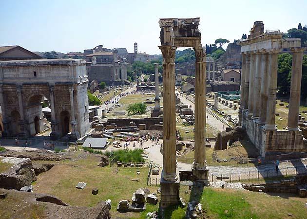 カピトリーニ美術館のタブラリウムからのパノラマビュー・ポイント ローマ