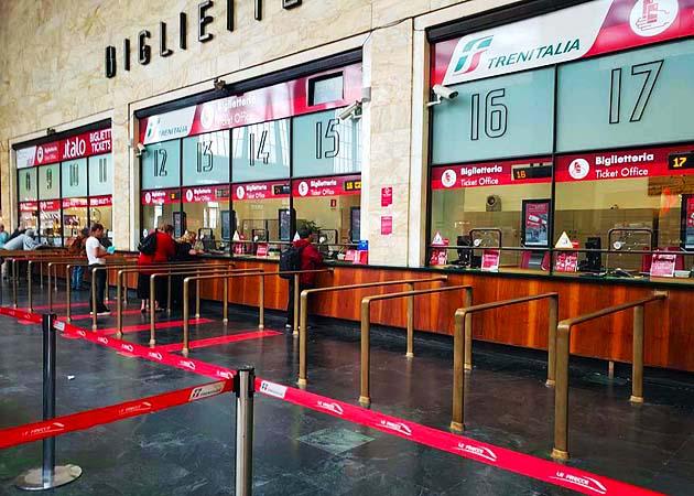 フィレンツェSMN駅のチケット売場