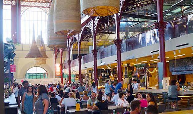 フィレンツェSMN駅周辺の中央市場