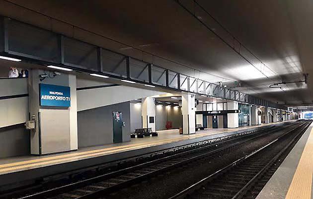 列車マルペンサ・エクスプレスで空港からミラノ中央駅へアクセス