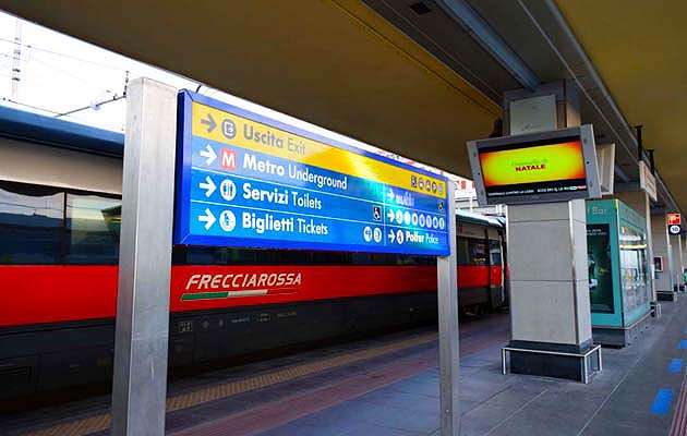 列車でトリノへアクセス トリノ・ポルタ・ヌオーヴァ駅