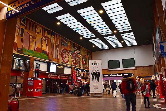 ヴェローナ・ポルタ・ヌオーヴァ駅のコンコース