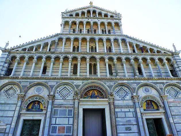ピサの大聖堂(ドゥオモ)・世界遺産ピサのドゥオモ広場