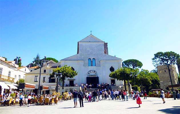 ラヴェッロ・ドゥオモ広場・南イタリア