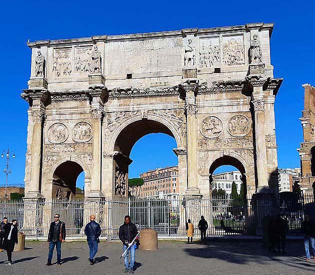 コンスタンティヌスの凱旋門・ローマ