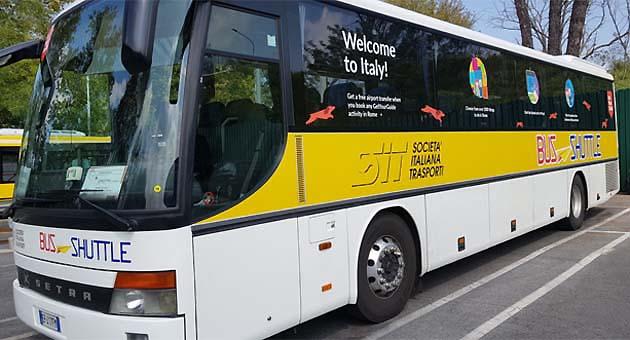シャトルバスでローマ・フィウミチーノ空港から市内アクセス