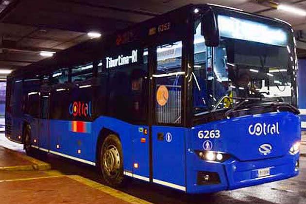 バスでティヴォリのヴィッラ・デステへアクセス