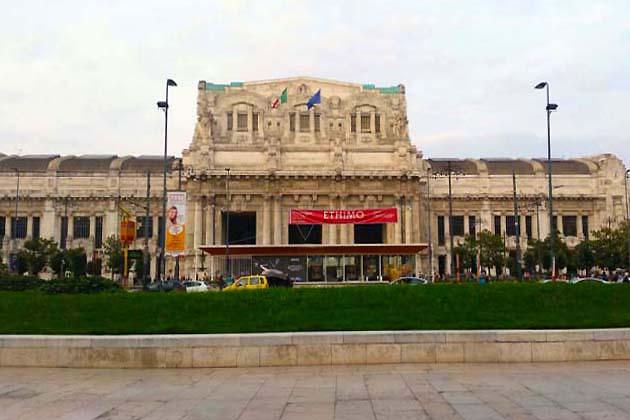列車でミラノへアクセス ミラノ中央駅